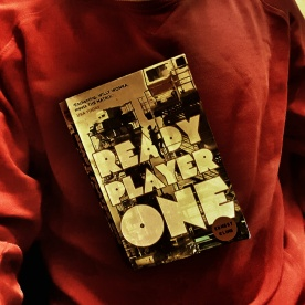 Fantastisk bok. Ready Player One.