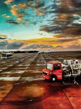 Mellanlandning på Gran Canarias flygplats 2016.